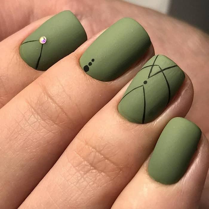 Зеленый маникюр для весны